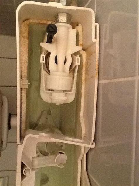 binnenwerk stortbak toilet vervangen renoveren binnenwerk wisa reservoir werkspot