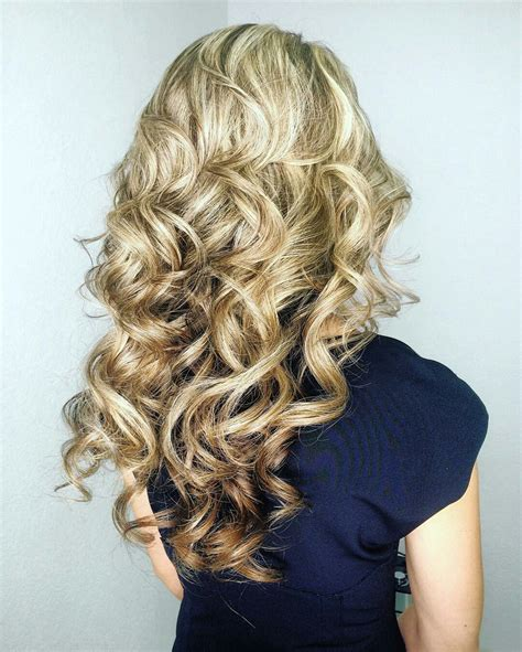Hairstyle To Medium Curls curls for medium hair how to curl medium length