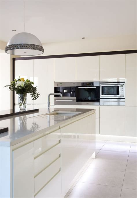 modern white kitchen ideas 1000 ideas about modern white kitchens on
