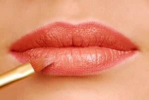 tutorial lipstik yang benar perbedaan berbagai jenis kosmetik untuk bibir