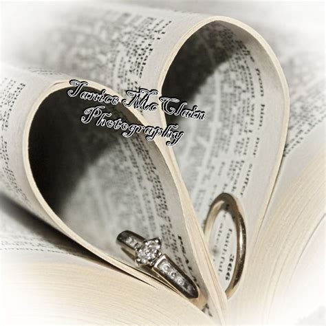 Wedding Rings Bible by Wedding Rings In A Bible Photography Wedding Photo Ideas