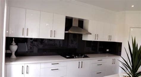 kitchen pendant lights and mirrored tile splashback home mirrored splashback google search kitchen pinterest