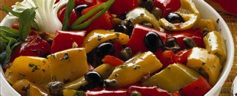 cucinare peperoni in padella come si preparano i peperoni in padella sale pepe