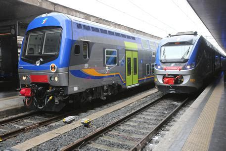 treni fs 171 l umbria in umbria i nuovi treni jazz trenitalia umbria ansa it