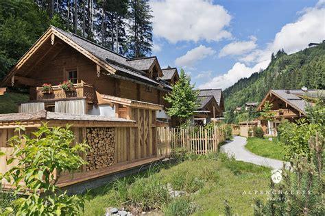 chalet im skigebiet mieten 5 sterne chaletdorf im skigebiet amad 233 h 252 ttenurlaub in