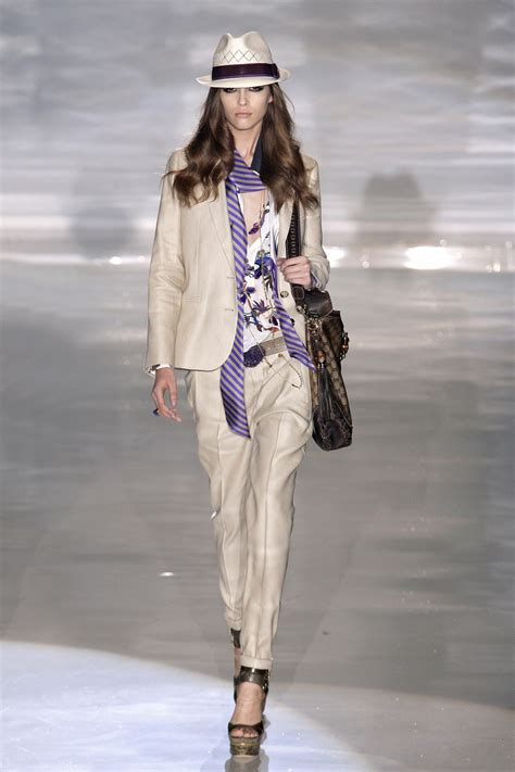 Gucci 2009 From Milan Fashion Week by Gucci At Milan Fashion Week 2009 Livingly