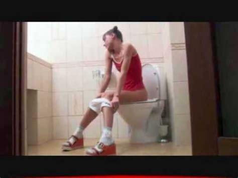 donne senza niente addosso sotto la doccia my on wc candid ragazza sul cesso