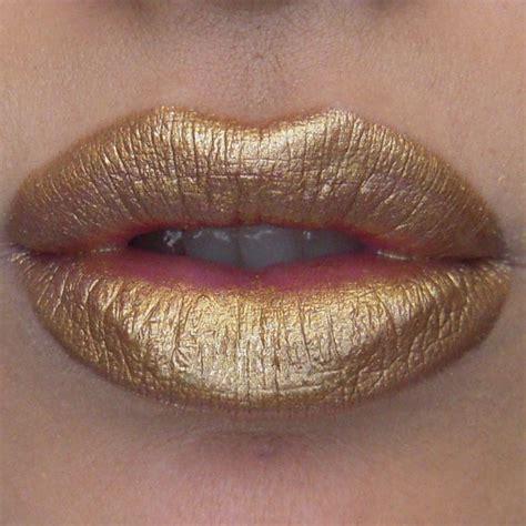 Lipstik Golden quot mischievous quot described as neutral metallic gold i would