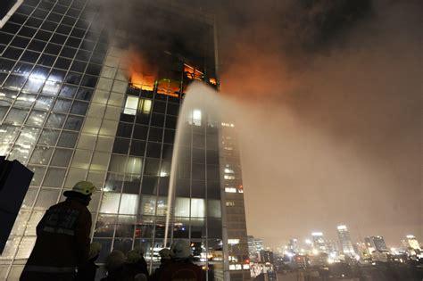 Kaca Filmarea Pemasaran Jakarta Pusat Sekitar api berkobar lagi di wisma kosgoro pagi ini