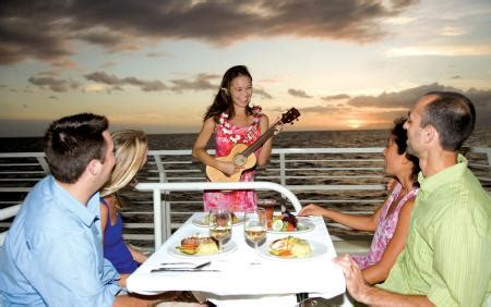 dinner on a boat maui maui thanksgiving dinner cruise maui thanksgiving buffet