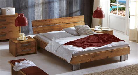ein bett bett fuego aus wildeichenholz als einzelbett doppelbett