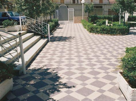 pavimenti esterni gres porcellanato pavimento per esterni in gres porcellanato effetto pietra