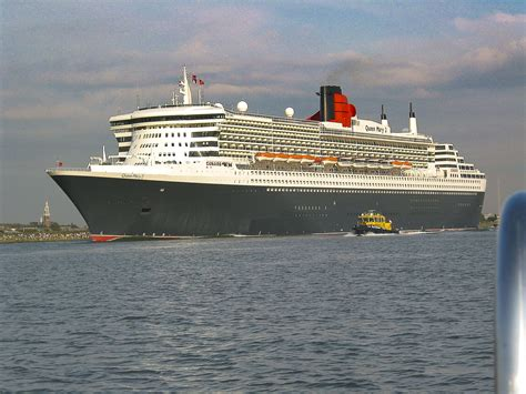 cruise boat queen mary 2 nostalgia rms queen mary 2 happy hotelier