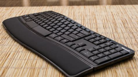 Microsoft Sculpt Comfort Keyboard by Microsoft Sculpt Comfort Keyboard Review Cnet