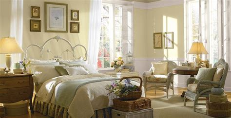 ideas  yellow painted rooms  pinterest