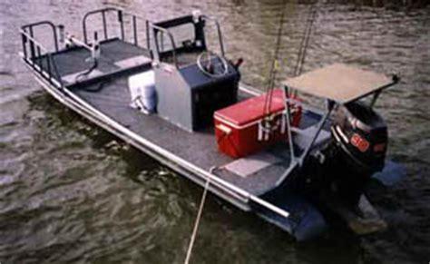 pontoon vs flat bottom boat flats boats running the skinny water