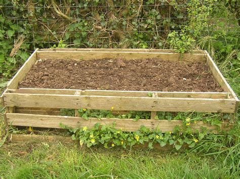 pallet raised garden bed pallet planter the hopeful gardeners