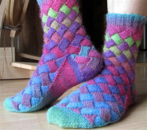 Socken Stricken Anleitung Muster by Socken Stricken 42 Inspirative Beispiele F 252 R Begeisterte