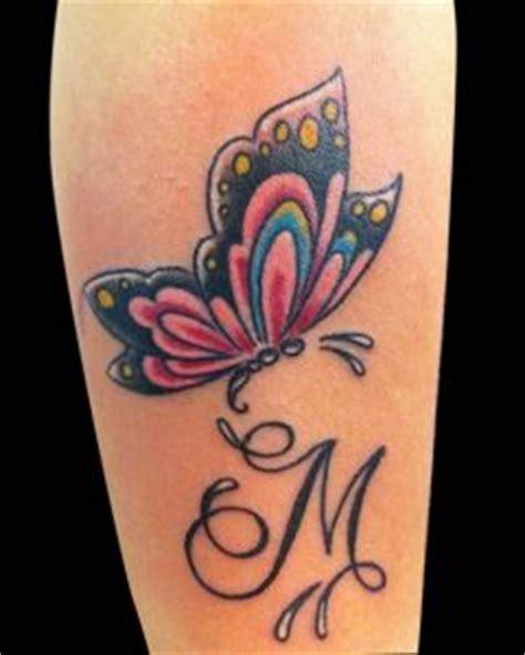 tatuaggi cuori con lettere tatuaggi con la lettera m idee e foto