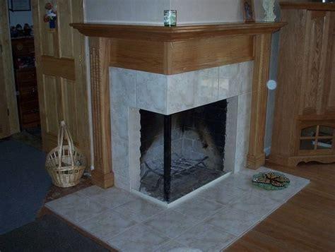 Corner Fireplace Mantel Designs by Best 25 Corner Fireplace Mantels Ideas On
