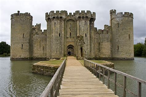 bodiam castle east sussex photography  steve crampton