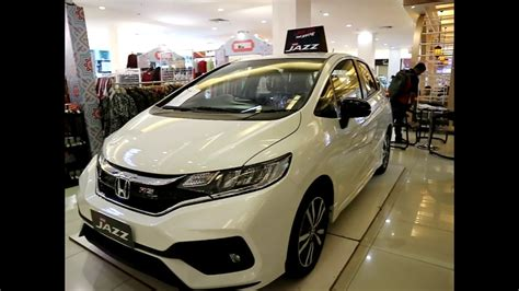 New Honda Jazz Rs 2017 honda new jazz rs 2017 white colour exterior and