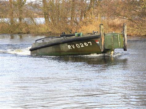rib x loosdrecht vaar zelf in een originele legerboot uit 1954 sloep