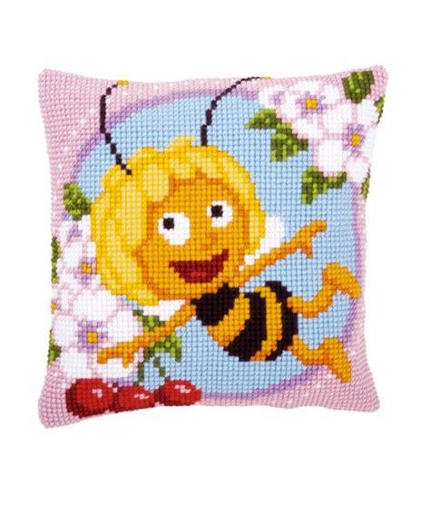 cuscini punto croce cuscino punto croce ape maia
