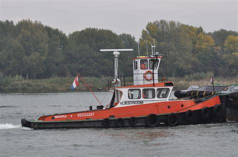 sleepboot nieuwbouw gouwestroom en vliestroom met damen nieuwbouw naar