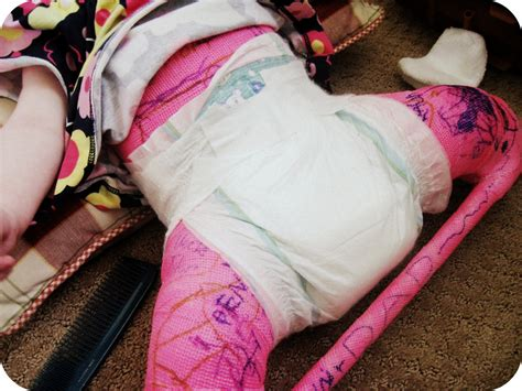 kids wearing wet diapers girls my kids eat off the floor tutorial diapering a spica