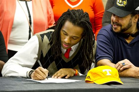College Football National Letter Of Intent Signing Day Signing Day