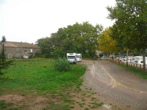 Butée De Parking 2689 by 11 Homps Photos Aires Service Cing Car