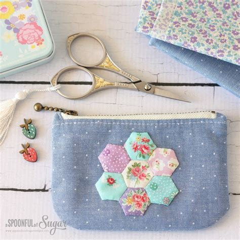 Handmade Pouch Tutorial - 12 easy zipper pouch tutorials 187 loganberry handmade