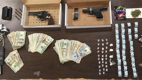 rooming house hpd illegal rooming house shut after find drugs guns hartford courant