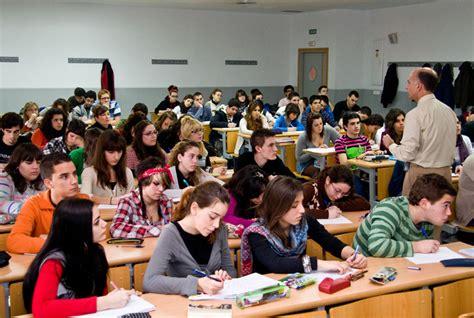 clase letal 1 una universidad de sevilla estudiantes
