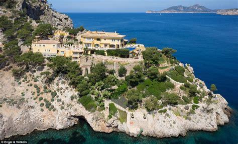 lade di sale vendita in vendita per 30 mln l ex residenza estiva della
