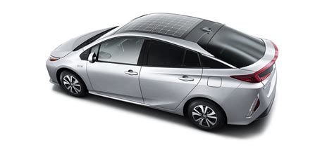 Solar Powered Cruise Cars Use The Sun On The Golf Course by Toyota Brings Back The Solar Panel On The In Prius