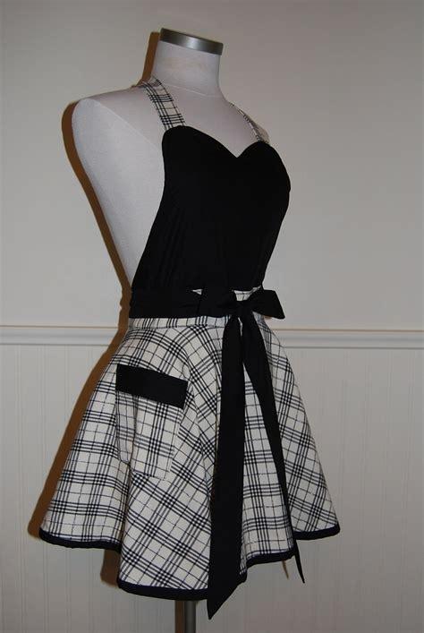 pattern for apron skirt black and cream plaid full circle skirt sweetheart apron