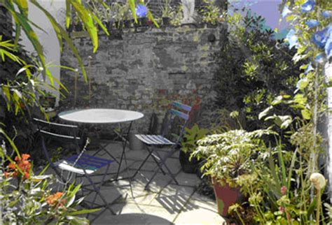 Plants For Sunny Gardens Garden Ftempo City And Guilds Walled Garden