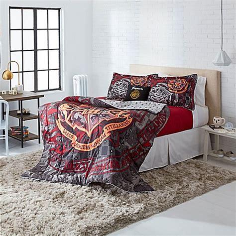 harry potter bedding comforter warner brothers 174 harry potter school motto 3 comforter set www