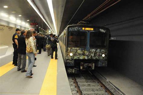 caf礙 nuovi episodi uomo sui binari della metro a circo massimo fermato newsgo