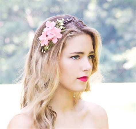 dainty wedding hairstyle ideas spring 2016 20 wedding hair accessories for spring 2016 girlshue