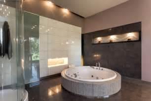 Walk In Bathtub Shower Combination Moderne Badfliesen 187 Das Ist M 246 Glich