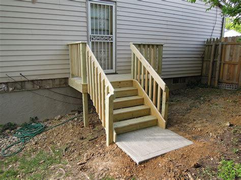 small and minimalist designed outside steps made with крыльцо с навесом веранда дачные постройки домики
