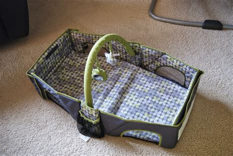 travel infant bed summer infant travel bed and sooth vibe review