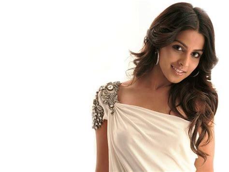 wallpaper girl bollywood beauty girl indian headdress wallpaper in celebrities