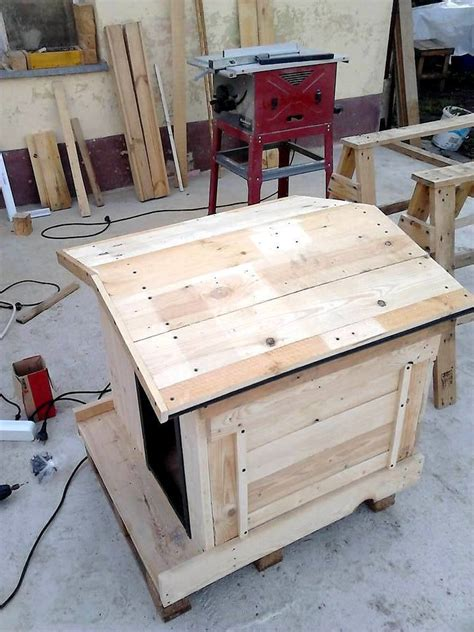 how to build a cool dog house how to build a pallet dog house in a perfect manner