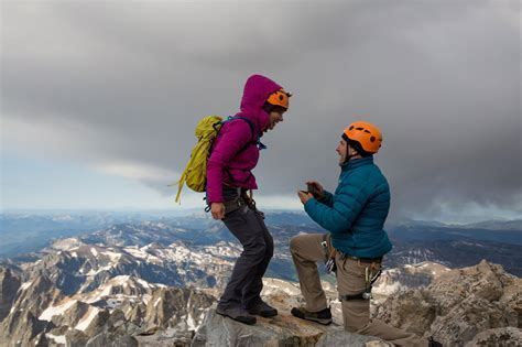 A Mountaintop Proposal Doesn?t Go as Planned
