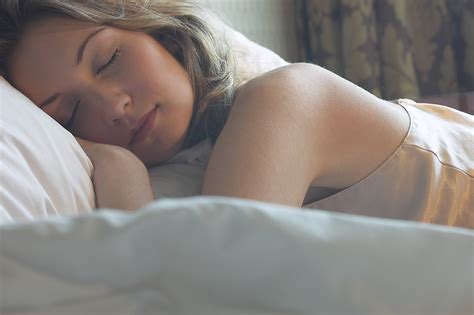 How To Become A Heavier Sleeper by Healthy Essentials