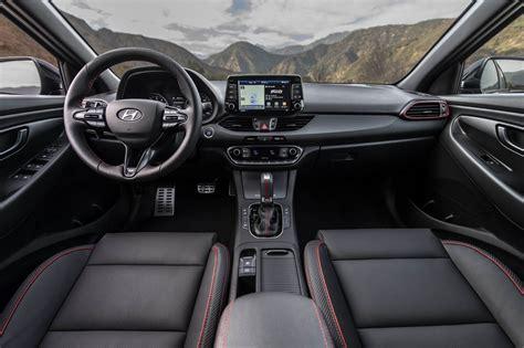 2020 Hyundai Elantra Gt by هيونداي إلنترا جي تي إن لاين 2020 النسخة الرياضية
